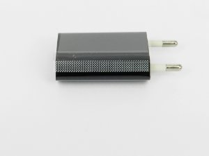 Tomada USB para celular 1 A 5V DC preto