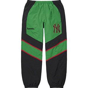 "SUPREME x NEW YORK YANKEES - Calça Track ""Verde"" -NOVO-"