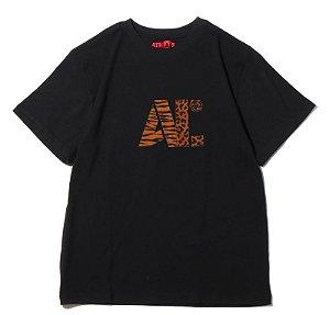 "Atmos x BE@RBRICK - Camiseta Atmos Labs Stencil Labs Logo ""Black"""