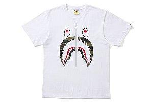 "BAPE - Camiseta Woodland Camo Shark Face ""White"""