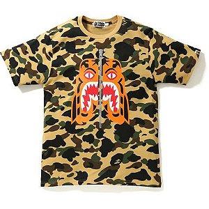 "BAPE - Camiseta 1ST Camo Tiger ""Yellow"""