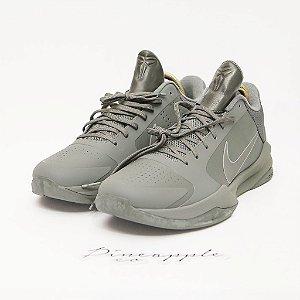 "Nike Kobe 5 Black Mamba Collection ""Fade To Black"" -NOVO-"