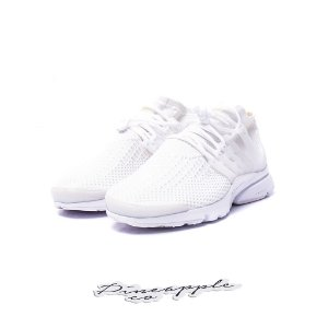"Nike Air Presto Flyknit Ultra ""Triple White"""