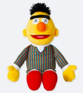 ENCOMENDA - UNIQLO x KAWS x Sesame Street - Pelúcia Bert