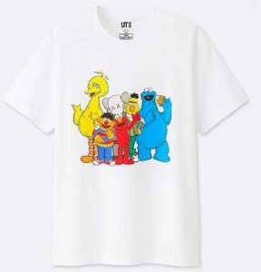 "UNIQLO x KAWS x Sesame Street - Camiseta Friends ""White"""