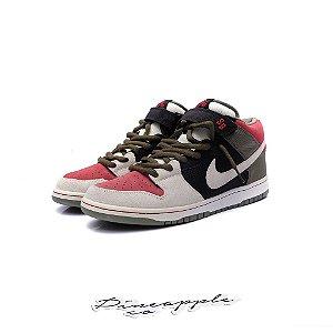 "Nike SB Dunk Mid ""Black/Sail/Varsity Red"""
