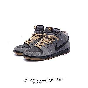 "Nike SB Dunk Mid ""Charcoal Tar"""