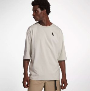 "NIKE - Camiseta Lab ""Light Bone"""