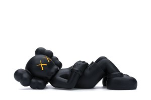 "KAWS - Boneco Holiday Japan Vinyl Figure ""Preto"" -NOVO-"