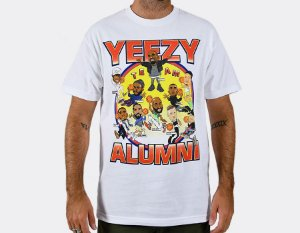 "CHINATOWN MARKET - Camiseta Yeezy Alumni ""Branco"" -NOVO-"