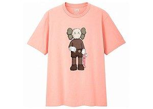 "KAWS x Uniqlo - Camiseta Companion ""Pink"""