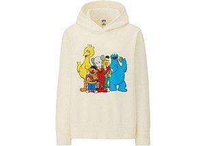 "UNIQLO X Kaws x Sesame Street - Moletom Group Hoodie ""Natural"""