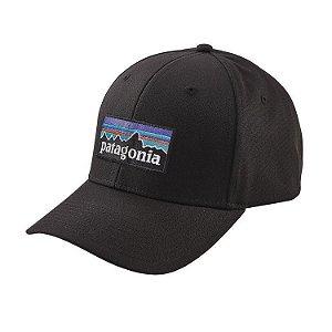 """PATAGONIA - Boné P-6 Logo Roger That Hat """"Black"""""""