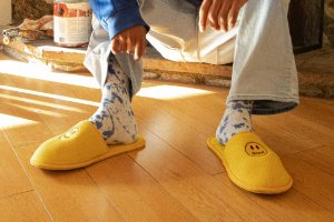 "DREW HOUSE - Chinelo Mascot Golden ""Yellow"""