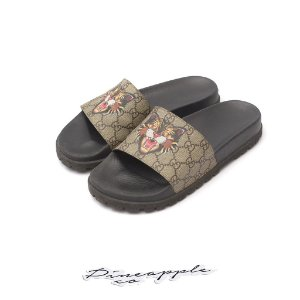 "GUCCI - Chinelo GG Supreme ""Angry Cat"""