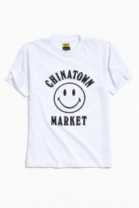 "CHINATOWN MARKET -  Camiseta Smile Logo ""Black/White"""