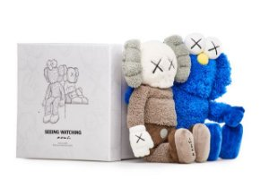 "KAWS - Bonecos Seeing/Watching Plush ""Grey/Blue"""