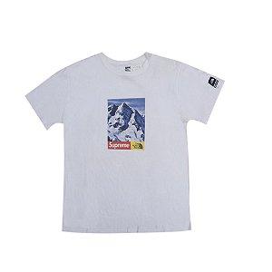 """SUPREME x THE NORTH FACE - Camiseta Mountain """"White"""" -USADO-"""