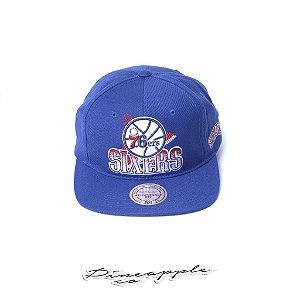 "MITCHELL & NESS - Boné NBA Razor Halftone Deadstock Sixers ""Azul"" -NOVO-"
