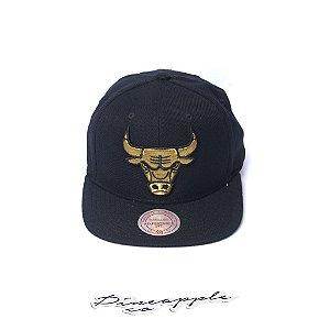 "MITCHELL & NESS - Boné Team Gold Snapback Chicago Bulls ""Black/Gold"""