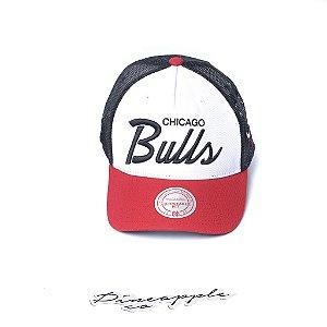 "MITCHELL & NESS - Boné Sport Script Trucker NBA Chicago Bulls ""Black/Red/White"""