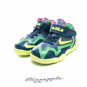 "Nike Lebron 11 ""T-Rex"" (Infantil) -NOVO-"