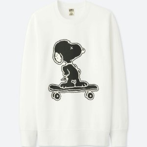 "KAWS x UNIQLO x PEANUTS - Moletom Snoopy Skateboarding ""Branco"" (Infantil) -NOVO-"