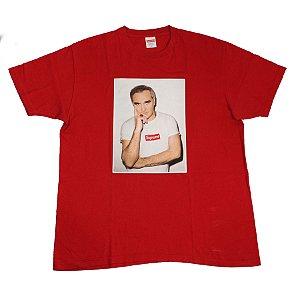 """SUPREME - Camiseta Morrissey """"Vermelho"""" -USADO-"""
