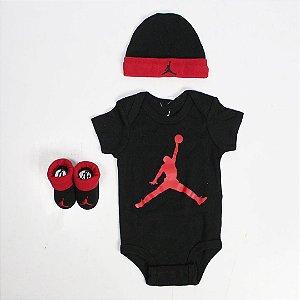 "NIKE - KIT Baby Jordan Body + Meia + Touca ""Vermelho/Preto"" (Infantil) -NOVO-"