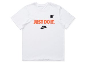 "NIKE x UNDEFEATED - Camiseta Just Do It ""Branco"" -NOVO-"