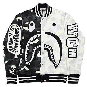 "BAPE - Jaqueta Sweat Varsity City Camo Shark ""Preto/Branco"" -USADO-"
