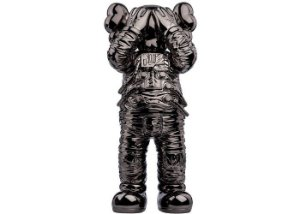 "KAWS - Boneco Holiday Space Figure ""Preto"" -NOVO-"