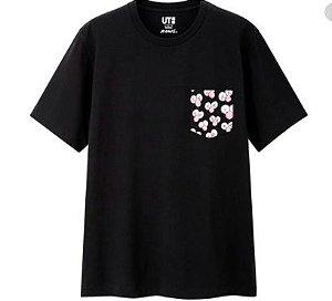 "UNIQLO x KAWS - Camiseta BFF Pocket ""Preto"" -NOVO-"