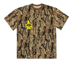 "TRAVIS SCOTT - Camiseta Jordan Cactus Jack Highest ""Camo"" -NOVO-"