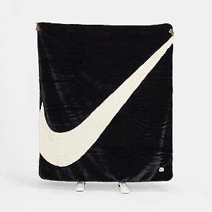 "NIKE - Cobertor Sportwear Plush ""Preto"" -NOVO-"