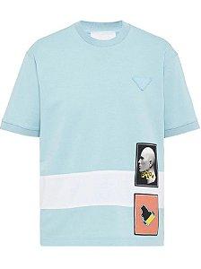 """PRADA - Camisa Graphic """"Azul"""" -NOVO-"""