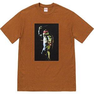 "ENCOMENDA - SUPREME - Camiseta Raphael ""Marrom"" -NOVO-"