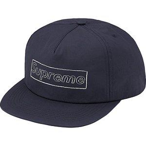 "ENCOMENDA - SUPREME x KAWS - Boné 5-Panel Chalk Logo ""Marinho"" -NOVO-"