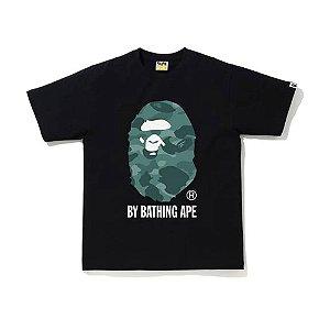 """BAPE - Camiseta Color Camo By Bathing Ape """"Preto/Verde"""" -NOVO-"""