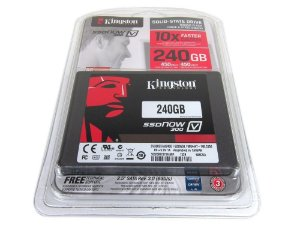 SSDNow Kingston 2.5´ 240GB V300 SATA III Leituras: 450MB/s e Gravações: 400MB/s - SV300S37A/240G