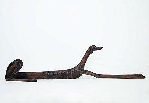 Cão deitado esculpido em Madeira - Artista Pernambucano Marcos Paulo Lau da Costa