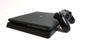 Console Playstation 4 Slim 500GB Ps4 - Sony
