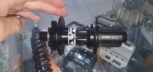 CUBO TRASEIRO ARC - 12X135MM - ROLAMENTADO - CASSETE