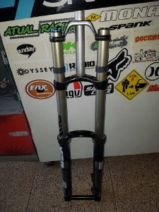 SUSPENSAO ROCK SHOCK - BOXXER RACE - SEMI NOVO