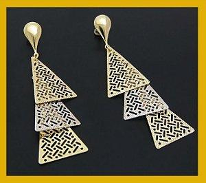 Brinco trio triângulos dois ouros