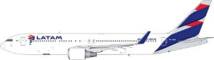 Miniatura Avião Phoenix 1/400 LATAM Boeing 767-300