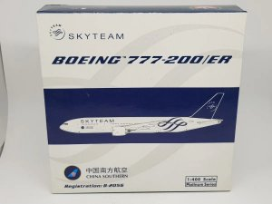 "Phoenix 1:400 China Southern Boeing777-200er ""Skyteam"""