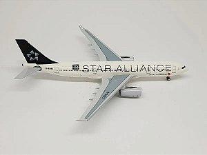 """Aeroclassics 1:400 Air China Airbus A330-200 """"Star Alliance"""""""