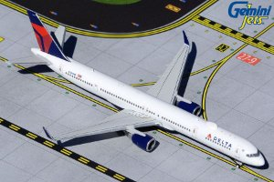 PRÉ- VENDA Gemini Jets 1:400 Delta Air Lines Boeing 757-300