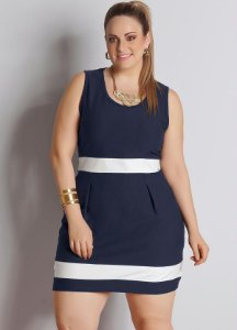 Vestido Plus Size Azul Marinho e Branco